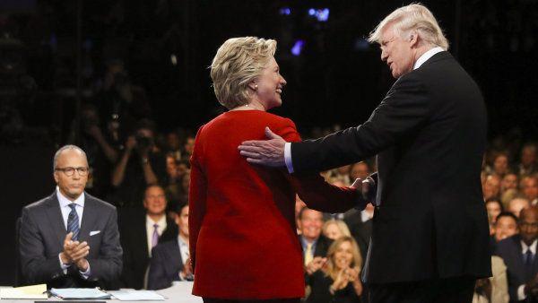 V první p�ímé debat� se st�etli Donald Trump a Hillary Clintonová.