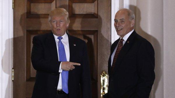 John Kelly s Donaldem Trumpem po schůzce, na které nově zvolený prezident nabídl vysloužilému generálovi ministerstvo vnitřní bezpečnosti.