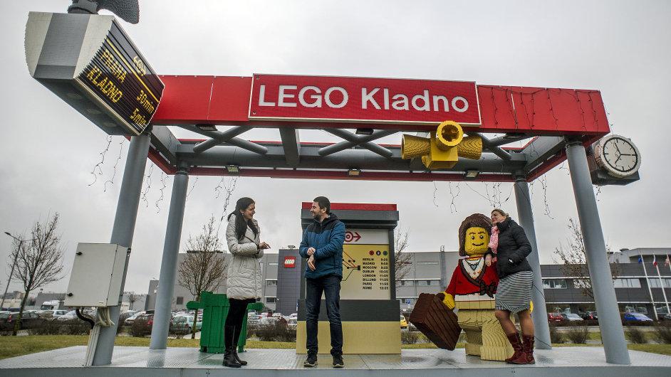 Designéři lego modelů - (zleva) Ludmila Pavlíčková, Libor Udržal a Alena Vacková.