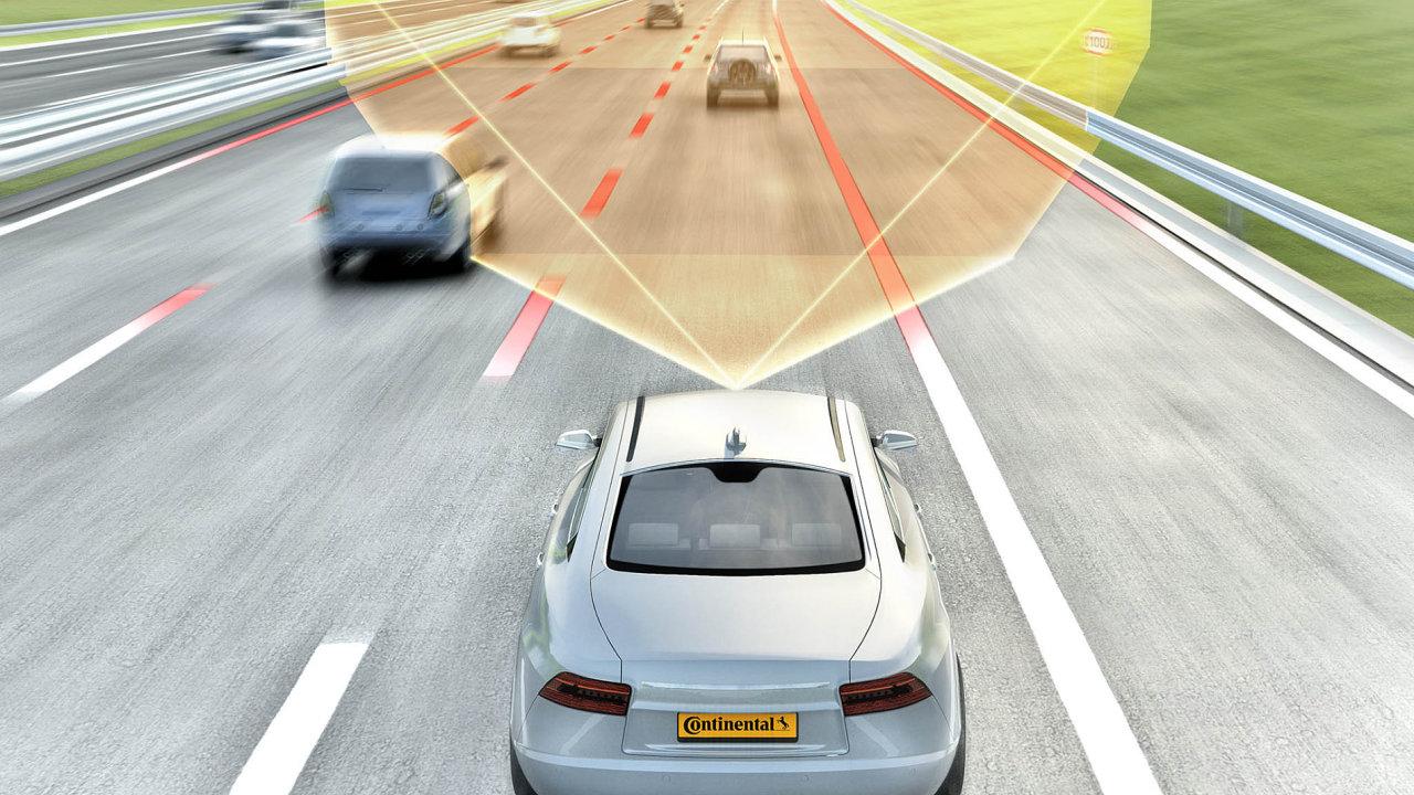 Automatický řidič: Zejména při dálničním cestování se uplatní takzvaný automatický řidič, který převezme vůz nadlouhých trasách. Pokud se přiblíží konec dálnice, varuje řidiče.