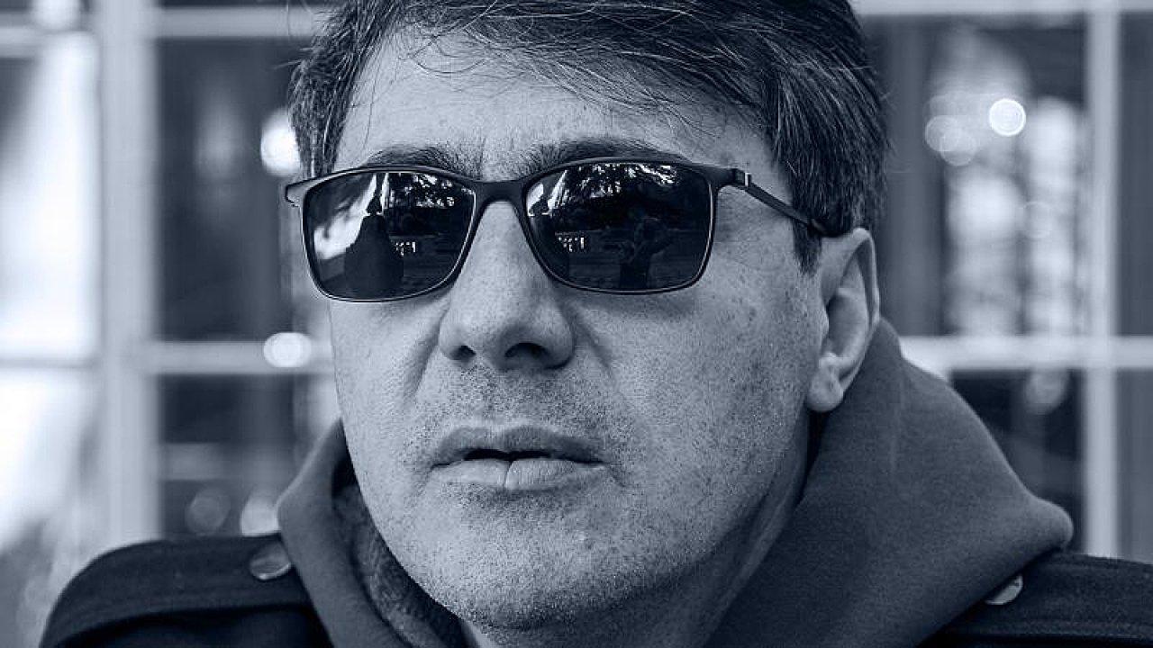 Datho Turašvili se narodil v Tbilisi, studoval v Londýně i Madridu.