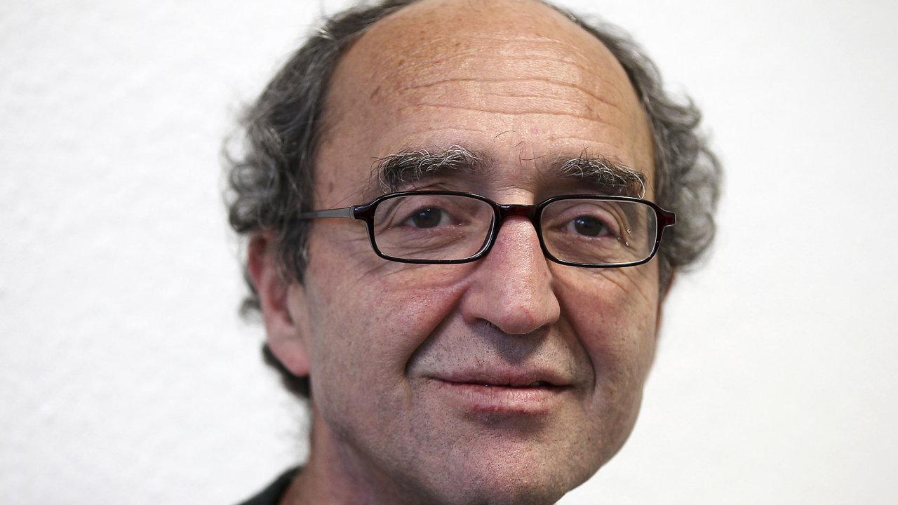 Spisovatel Dogan Akhanli byl v Turecku vězněn koncem minulého tisíciletí, dnes má jen německé občanství.