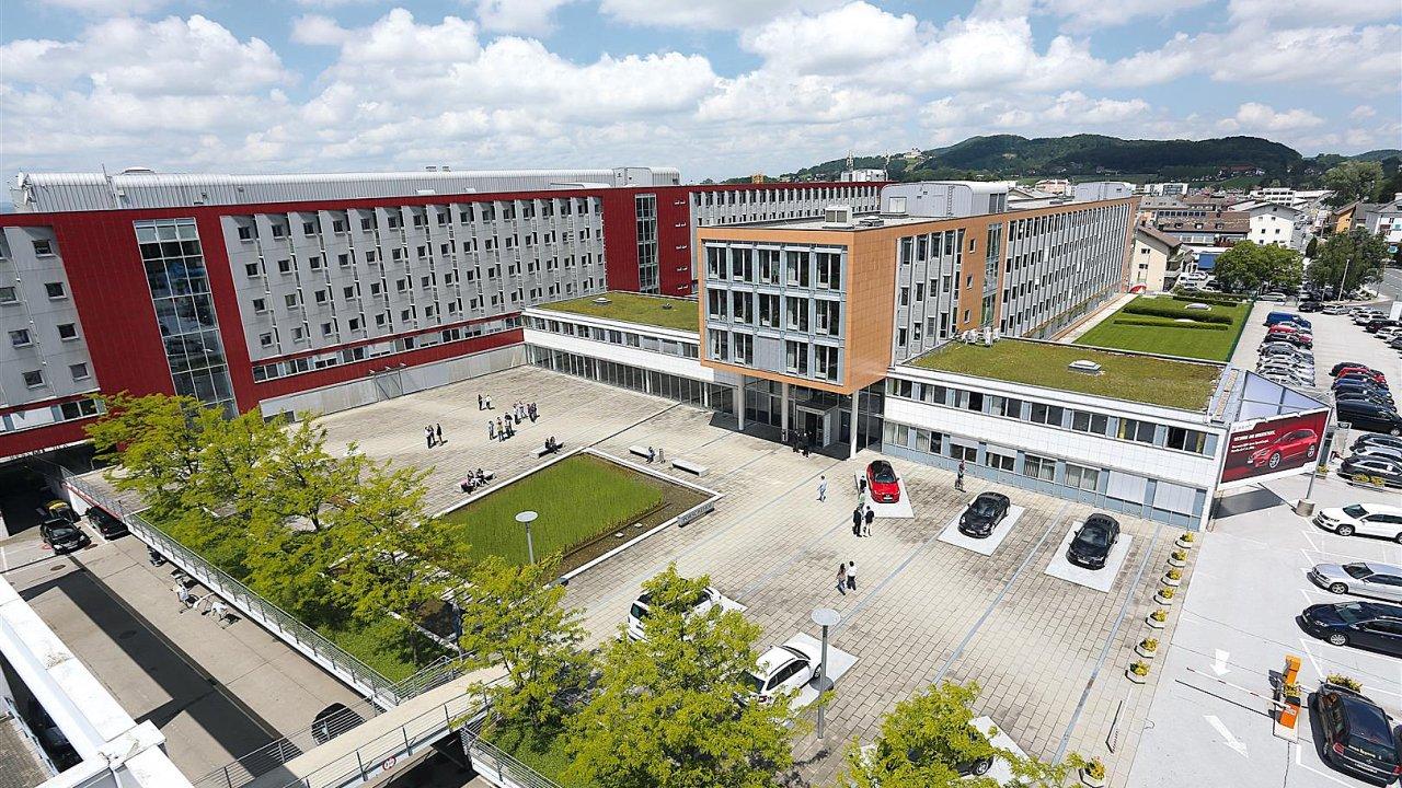 Centrála Porsche Holding Salzburg, mateřské firmy největšího dovozce nových aut do Česka.