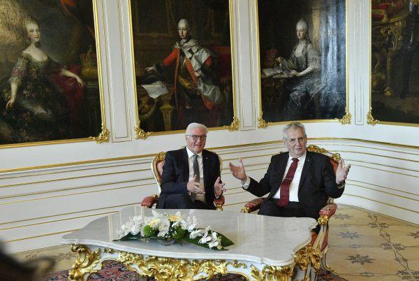 Prezident Miloš Zeman přivítal 12. září na Pražskémhradu německého prezidenta Franka-WalteraSteinmeiera