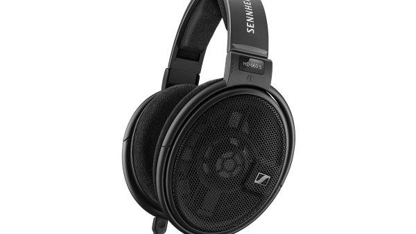 Je logické, že sluchátka za 12 tisíc korun si koupí jen opravdoví milovníci hudby, ale zvuk sluchátek HD660 S bude hledat konkurenci těžko i u ještě dražších modelů.
