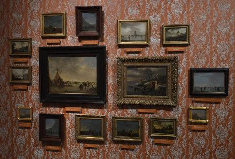 Snímek z výstavy děl Norberta Grunda v Paláci Kinských.