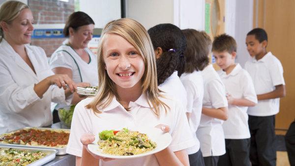 Plaga plošné zavedení obědů zdarma odmítá