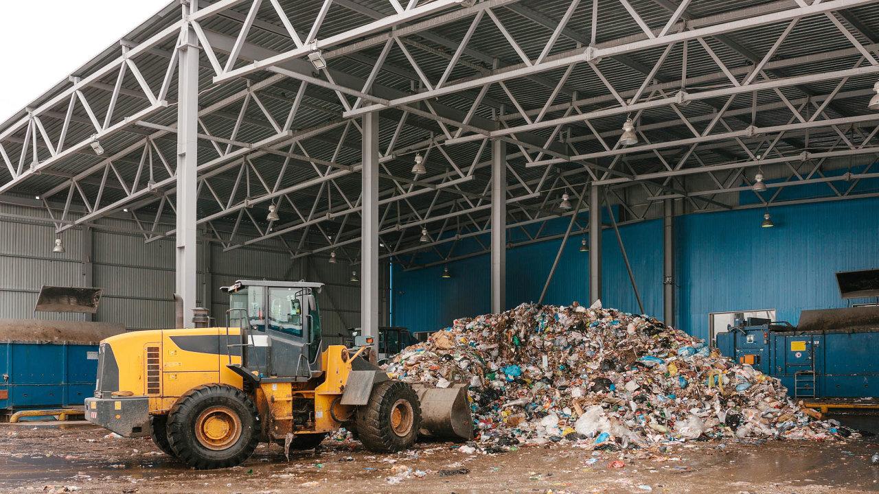 Využití místo ukládání: Odpad se vČesku hromadí naskládkách, stát proto chystá opatření napodporu recyklace.