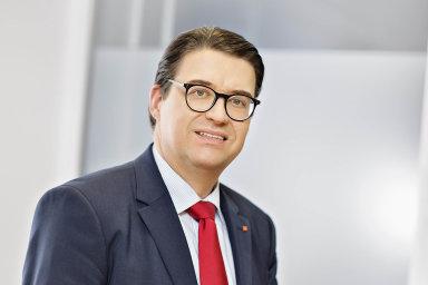 """""""Jen dosamotné modernizace investujeme vprůběhu čtyř let více než jednu miliardu korun,"""" říká generální ředitel Penny Marketu Česká republika Jens Krieger."""