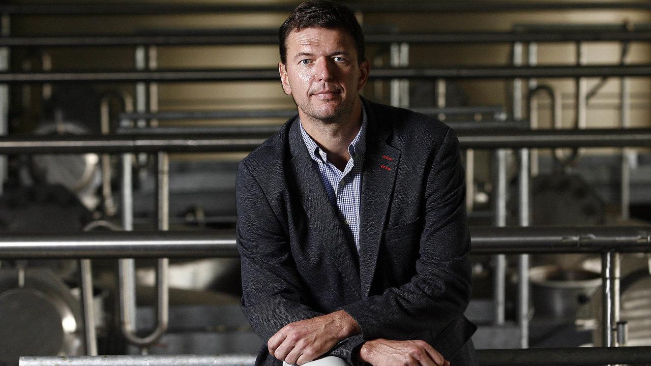 Zdeněk Chromý (48), exportní ředitel amístopředseda představenstva vespolečnosti Rudolf Jelínek, má narozeniny v neděli.