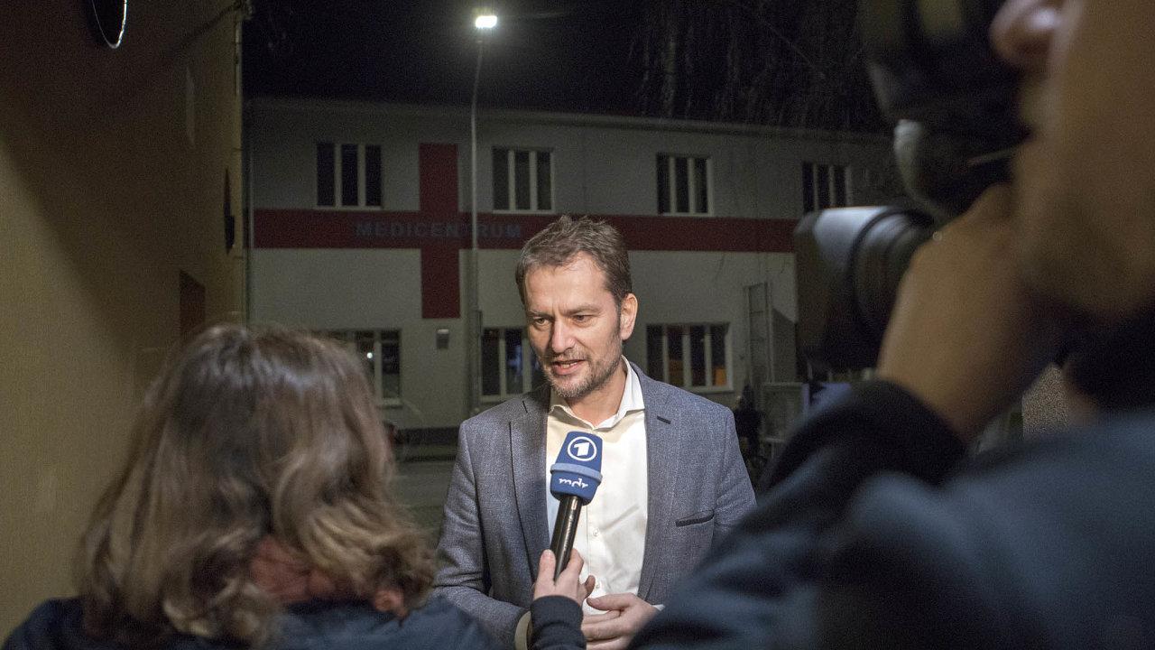 Dočela žebříčku se v posledním průzkumu nečekaně vyšvihla strana Obyčejní lidé anezávislé osobnosti (OĽaNO) Igora Matoviče– přeskočila idlouho dominující vládní Směr– sociální demokracii.