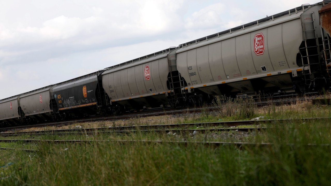Kanadská železniční společnost Canadian Pacific Railway se dohodla na koupi americké firmy Kansas City Southern.