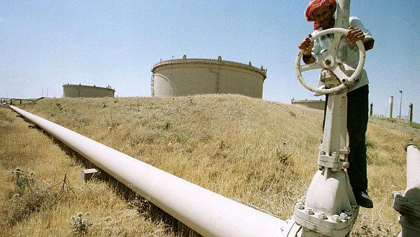 Po ukončení sankcí vůči Íránu, bude na ropném trhu ještě větší převis nabídky nad poptávkou, než je tomu dnes.