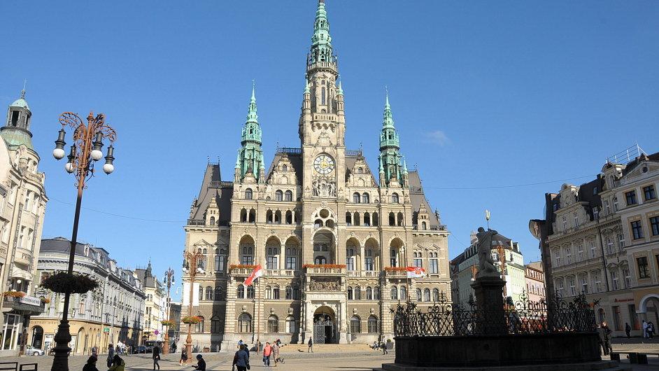 Město Liberec (na snímku budova jeho magistrátu) do soutěže nominovalo vedoucího personálního oddělení Miroslava Křepela.