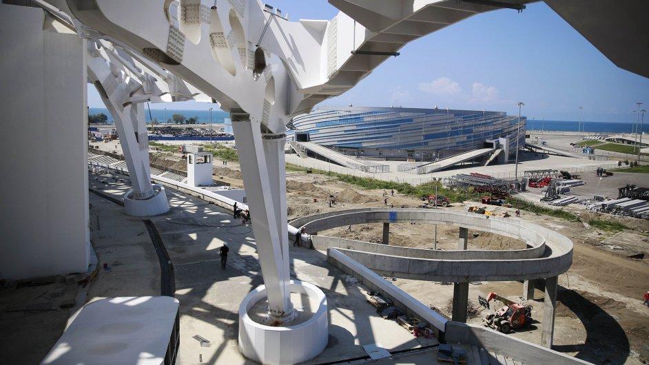 Výstavba olympijských stadionů v Soči