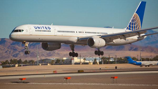 Aerolinkami, které country zpěvákovi zničily kytaru a odmítly to uznat, byly United Airlines. (ilustrační foto)