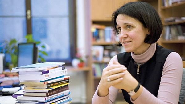 Zákaz styku je podle soudkyně Ústavního soudu Kateřiny Šimárčkové v daném případě ultima ratio a soud měl přikročit například k asistovanému styku