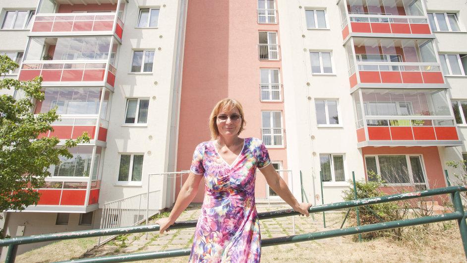Jana Drápalová na sídlišti Nový Lískovec