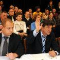 V zastupitelstvu Duchcova usedli t�i z�stupci DSSS Jind�ich Svoboda, Miroslav Toman a Milu�e Janou�kov� (zleva).