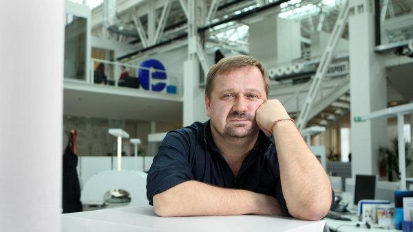 Koment�tor HN Petr Fischer.