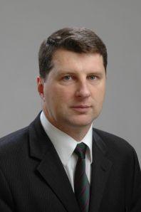 Dosavadní ministr obrany Raimonds Véjonis se dnes stal na příští čtyři roky novým lotyšským prezidentem.