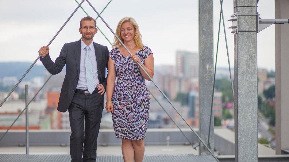 David (42) a Martina (41) Vítkovi jsou spolu od šestnácti, jen o něco kratší dobu budují společný podnik založený hlavně na nových technologiích.