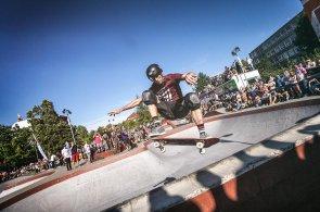 Skateboarding se olympiádě nevyhne, říká legendární Tony Hawk po exhibici v Praze