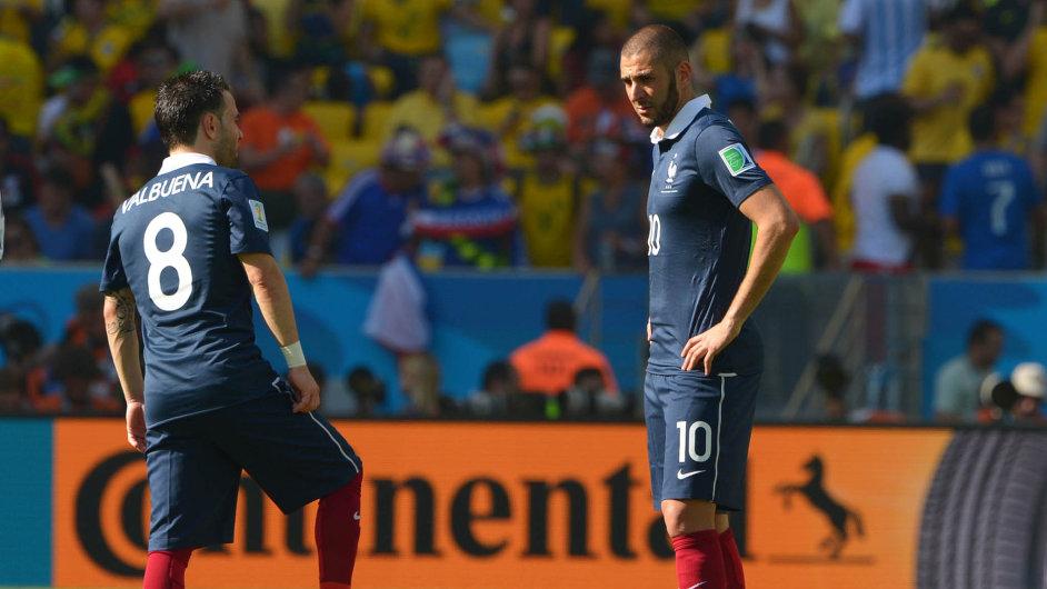 Podle policie se měl navydírání Mathieua Valbueny (vlevo) podílet ijeho spoluhráč zfrancouzské reprezentace Karim Benzema (vpravo).