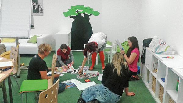 Multifunkční Work Life Balance Office slouží například jako mobilní pracoviště, miniknihovna, školicí či zasedací místnost, herna pro děti či odpočinková zóna.
