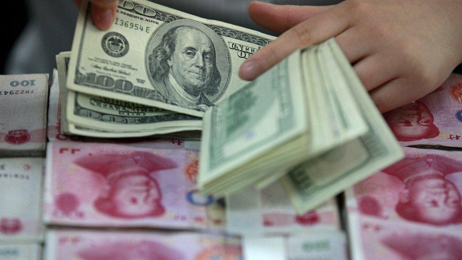 čínský juan, americký dolar