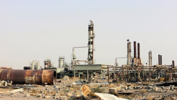 Zničená irácká rafinérie.