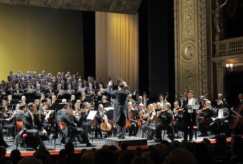 Snímek z koncertního provedení Faustova prokletí v pražském Národním divadle.