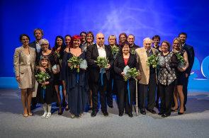 Dvanáct laskavých: Ve Stavovském divadle se završil první ročník dobročinného projektu Nadace Karla Janečka