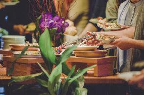Zápisky protivného hosta: Ze společného talíře chutná nejlépe. V restauraci La Loca se hosté o jídlo dělí