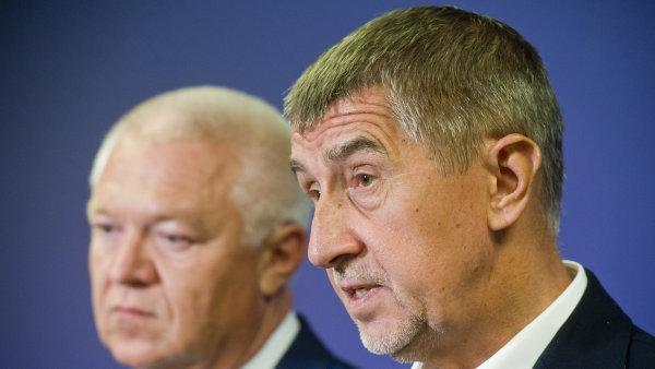 Andrej Babiš s Jaroslavem Faltýnkem stanou před mandátovým a imunitním výborem, který rozhodne o tom, zda je vydá ke stíhání.