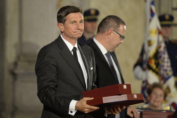 Slovinský prezident Borut Pahor převzal Řád bílého lva při slavnostním ceremoniálu udílení státních vyznamenání.