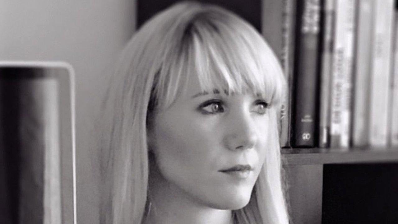 Veronika Pruszaková, grafická designérka v agentuře Fallon Prague
