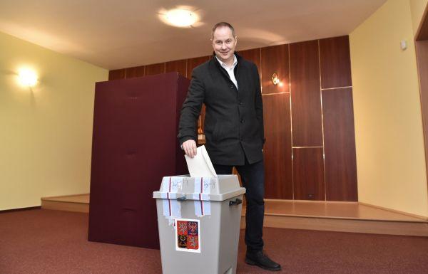 Předseda hnutí Starostové a nezávislí (STAN) Petr Gazdík odevzdal 26. ledna 2018 svůj hlas ve druhém kole prezidentských voleb v obci Suchá Loz na Uherskohradišťsku.