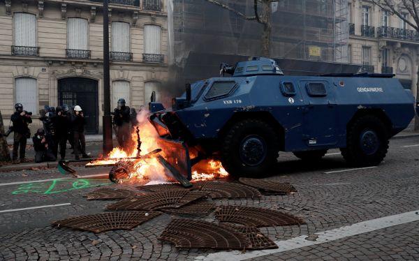 Současná vlna násilí je přirovnávána k protestům z roku 1968.