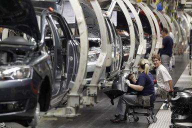 Česká ekonomika klesla podle zpřesněného odhadu ČSÚ v 1. čtvrtletí meziročně o dvě procenta - Ilustrační foto.