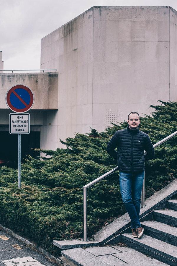 Most podle Jana Hawelky není žádný architektonický skvost. Na městě s brutalistickým centrem však oceňuje plynulou dopravu i divadelní scénu.