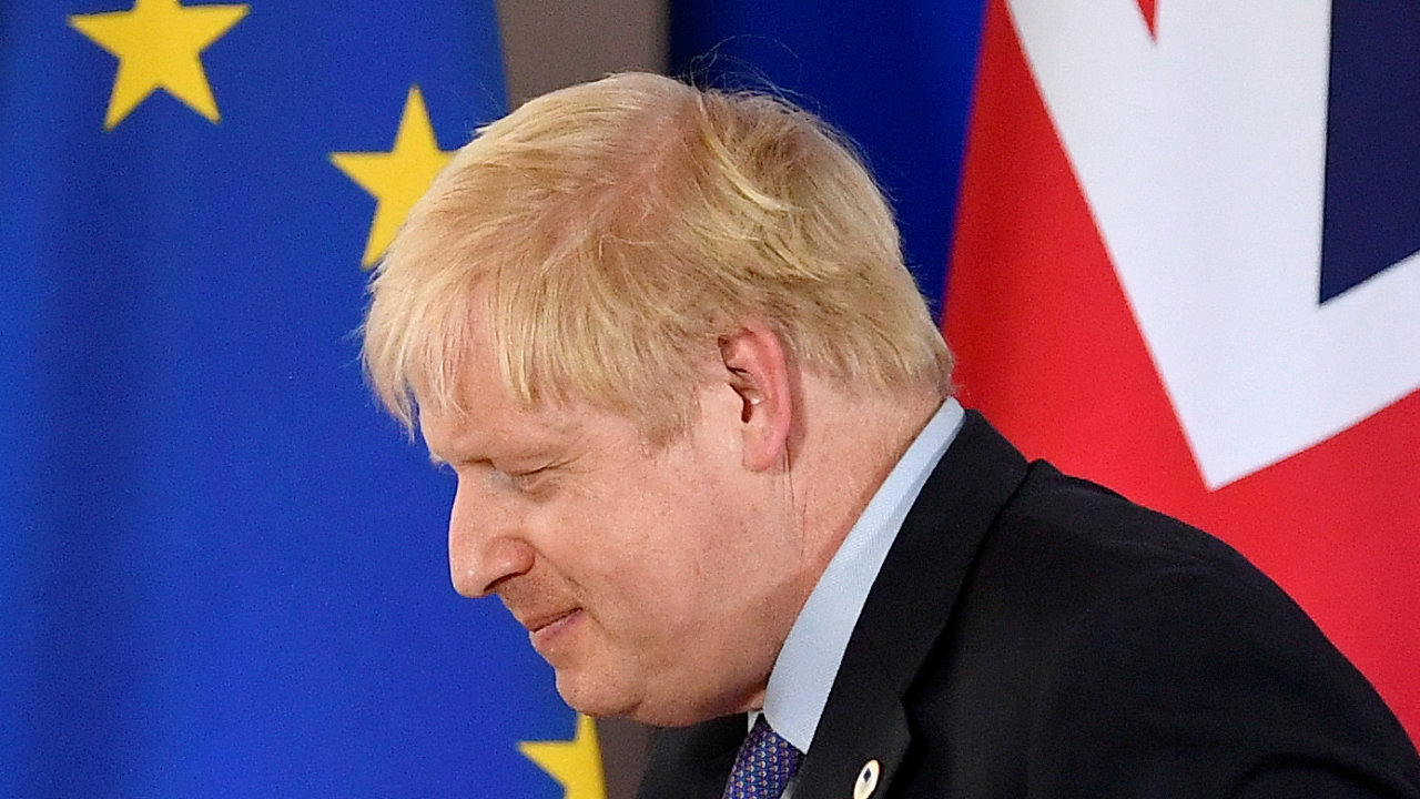 Johnson má v parlamentu jasnou většinu hlasů, takže je velmi pravděpodobné, že onen zákon, který by mu umožnil porušit dohodu s unií, prosadí.