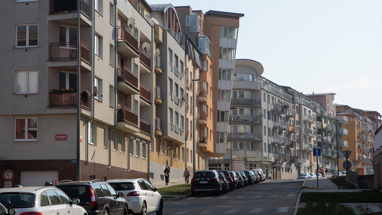Vedení metropole se obává, aby se kvůli dalšímu růstu nákladů nabydlení Praha nestala pro některé lidi nedostupnou. Ato především pro ty, kdo zastávají důležité apotřebné profese.