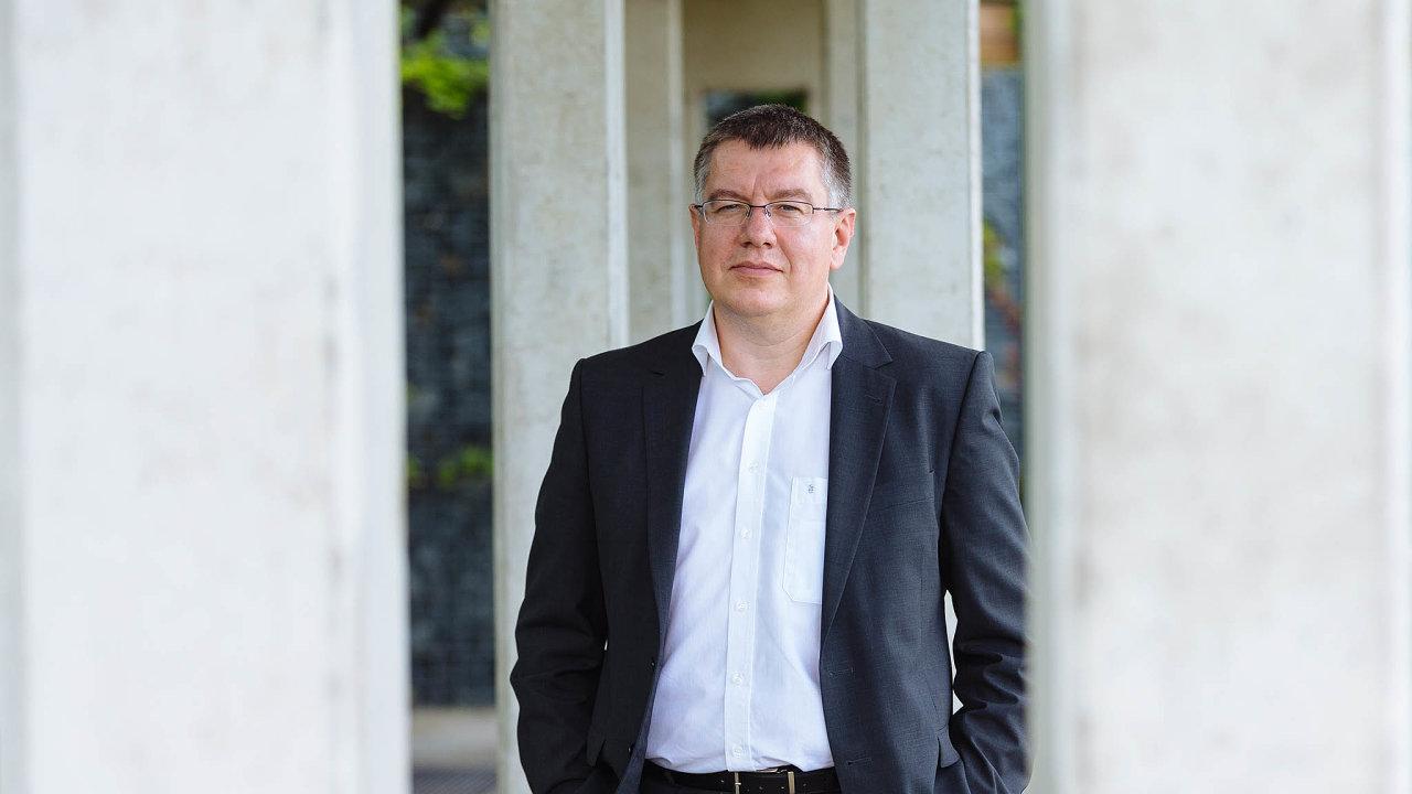 Vedení před rokem Liekenu vyslalo místopředsedu představenstva koncernu Petra Cingra jako krizového manažera.