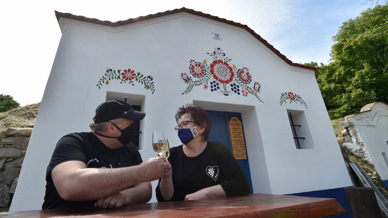 Pomoc od státu hledají i domácí hoteliéři. Před letní turistickou sezonou se obávají o dostatečný počet turistů v Čechách i na Moravě.