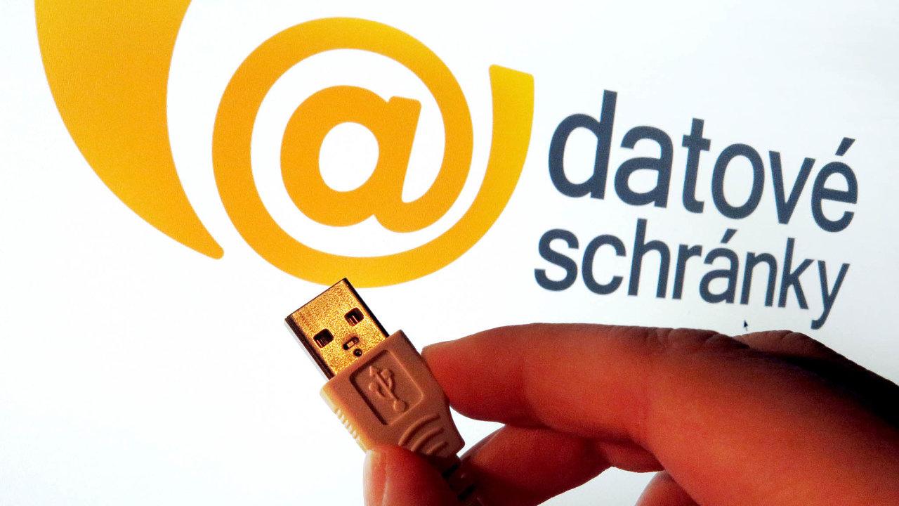 Pospuštění katalogu služeb by měla většina úkonů státní správy fungovat idigitálně. Například přes datové schránky.
