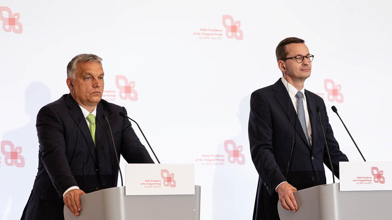 Poláci aMaďaři blokují také vznik mimořádného fondu obnovy ekonomiky zasažené pandemií. Na snímku premiéři obou zemí - Viktor Orbán a Mateusz Morawiecki.
