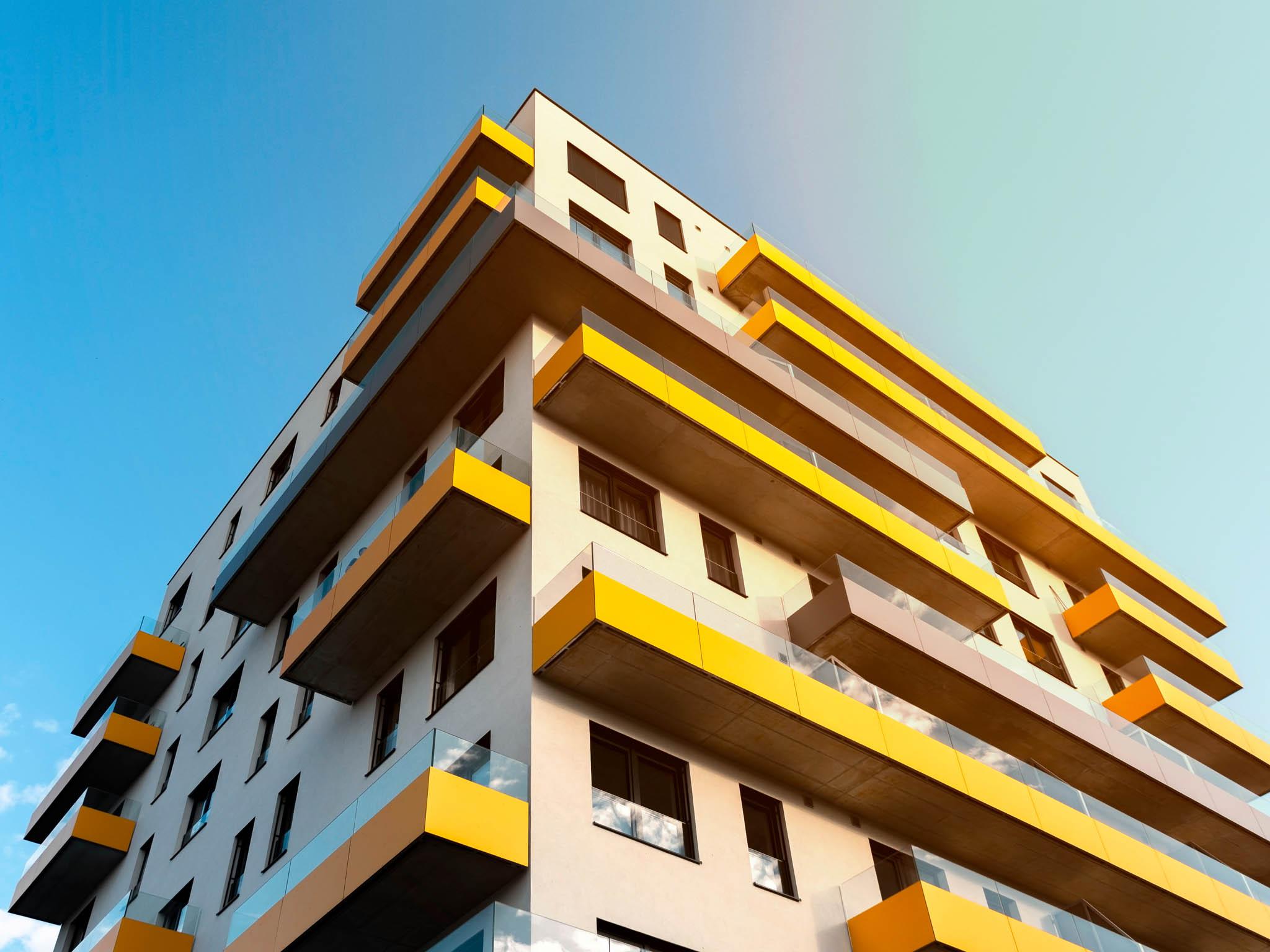 Objem nových hypotečních úvěrů nabydlení odbank astavebních spořitelen dosáhl vlistopadu 22,1 miliardy korun. To je osedm procent více než vříjnu ao39 procent více než vlistopadu 2019.
