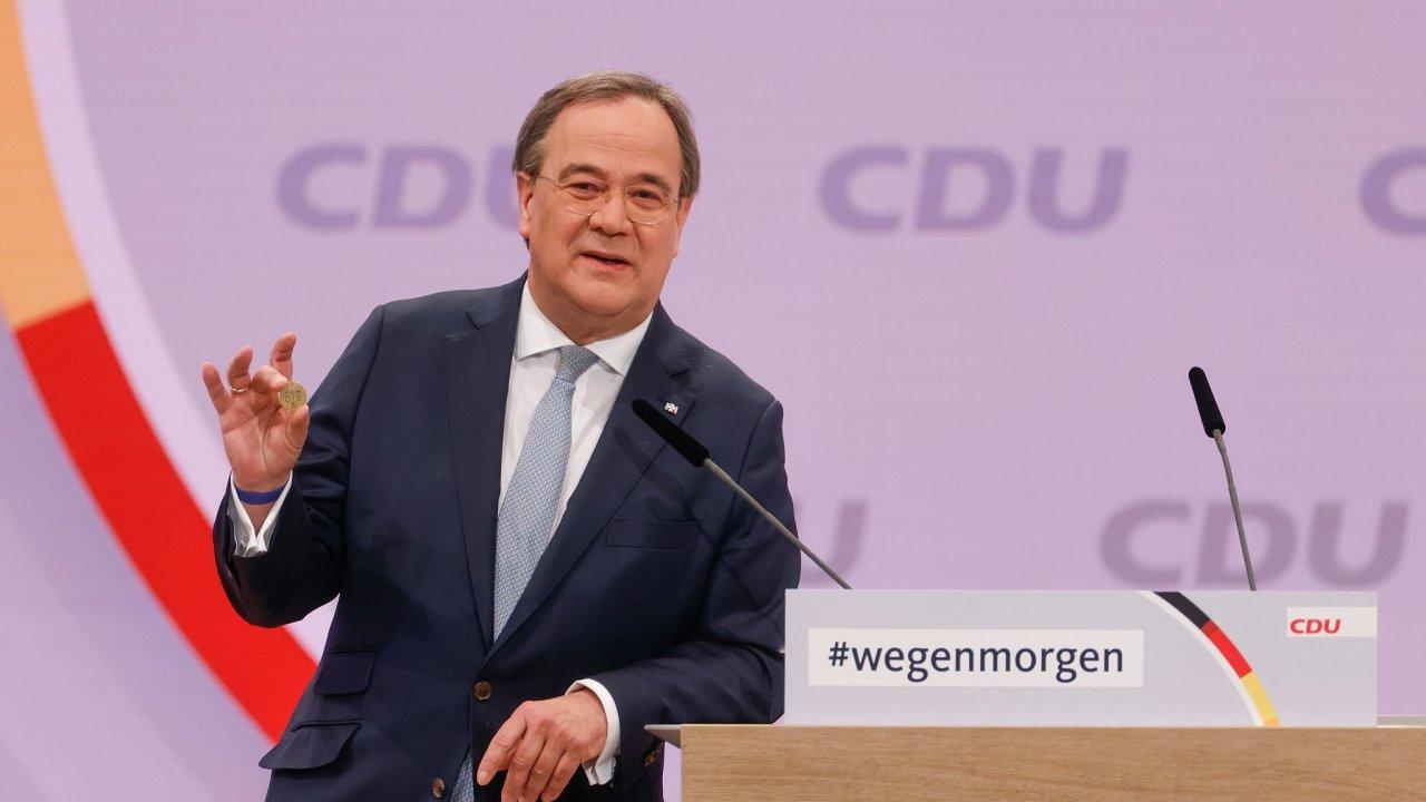 Nově zvolený předseda CDU Armin Laschet při svém kandidátském projevu.