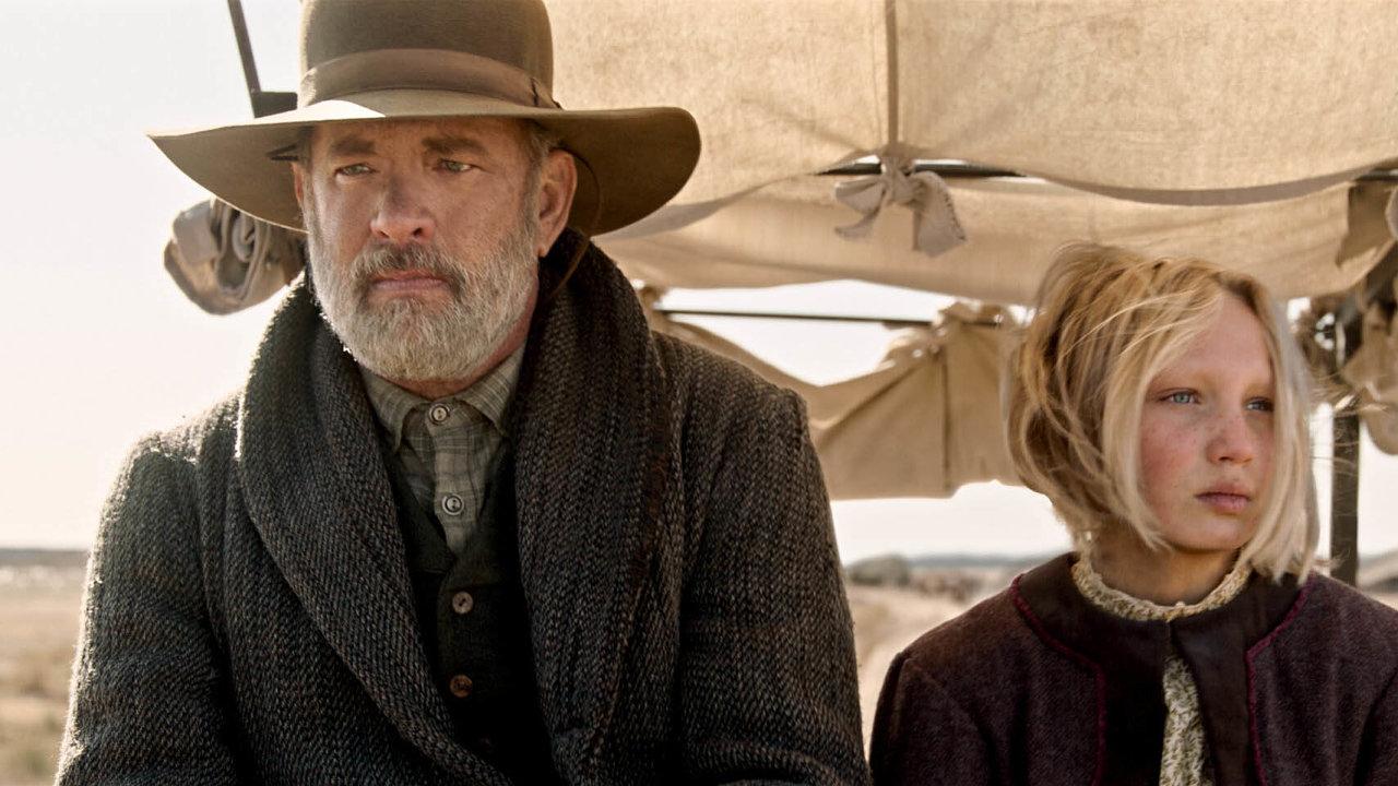 Tom Hanks v první westernové roli umí být dobrosrdečný i sveřepý, ale diváky si stejně sebevědomě podmaňuje i jeho herecká partnerka Helena Zengelová.